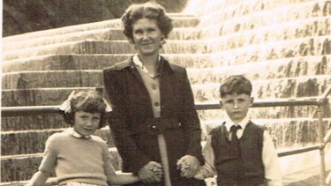 Aged six, Jennings is pictured withhis mother, Phyliss Jennings, and sister Ruth, aged five.