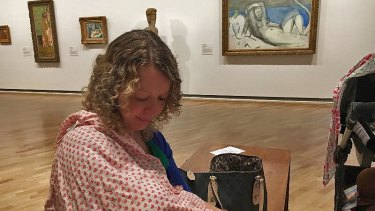 Christie Rea was told to ''cover-up'' as she breastfed her baby daughter at the National Gallery of Australia.