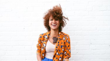 As the humidity rises, take control of your frizz.
