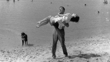 Gregory Peck and Ava Gardner on Frankston beach.