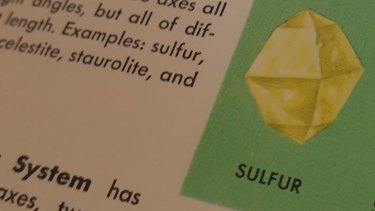 This drawing of a sulphur gem appeared in both the Gorman print and Ms Ibarreche's