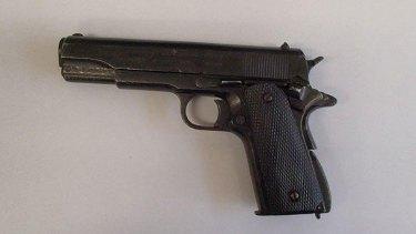 The replica semi-automatic handgun found at Roy Hill mine site.