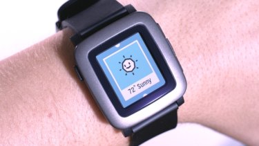 Pebble Time pulls app, notification and timeline information from an Android phone or iPhone.