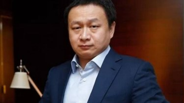 Chinese billionaire Zhou Yahui will have to transfer 300 million shares in his company to his wife.