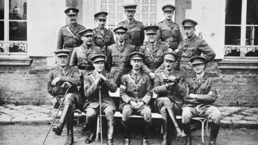 Charles Bean (front row, right) as a war correspondent in France, 1916.