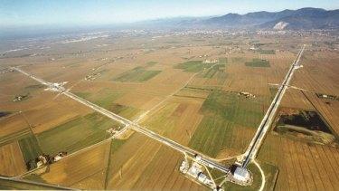 The LIGO detector in Louisiana has two perpendicular lasers four kilometres long.