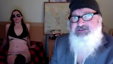 """In 2015 Randy and Evi Quaid released a bizarre """"sex"""" tape involving a mask of Rupert Murdoch."""