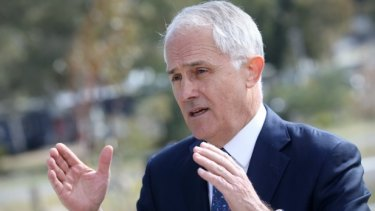 Malcolm Turnbull has introduced laws that would change the Fair Work Act to give volunteers the power to make submissions during negotiations between paid staff and employers.