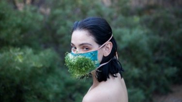 Pollen amorous: Ecosexual Bathhouse by Pony Express.