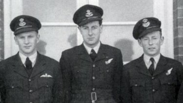 Gough Whitlam, centre, with members of his RAAF bomber aircrew.
