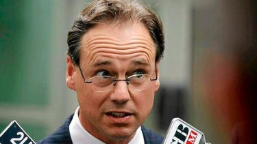 Environment Minister Greg Hunt says the climate policy standoff should be better addressed.