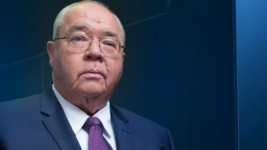 Canberra-based Nine Network political editor Laurie Oakes has announced his retirement.