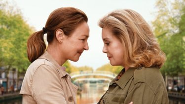 Catherine Frot and Catherine Deneuve in The Midwife.