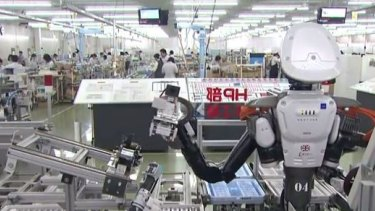Defenders of the brave new automated world have insisted that there will be new jobs created for servicing robots, however it now seems that robots will be able to fix themselves or each other.