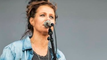 Kasey Chambers will perform.