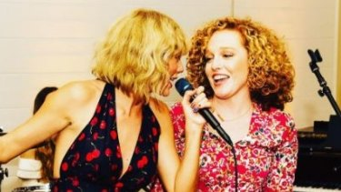 Taylor Swift Makes Rare Appearance To Share In Friend Abigail Anderson S Wedding Day