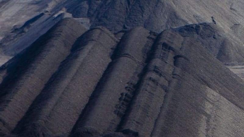 Thermal coal futures down on renewed oversupply focus
