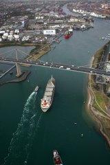 West Gate Bridge has an air draught of 50 metres.