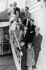 An Irish migrant family of 15 arrive in Sydney in search of employment and a new life in 1960.