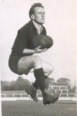 Former Carlton footballer Laurie Kerr.