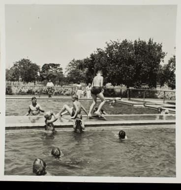 Children playing at the Cocoroc swimming pool. Courtesy of Melbourne Water Archives