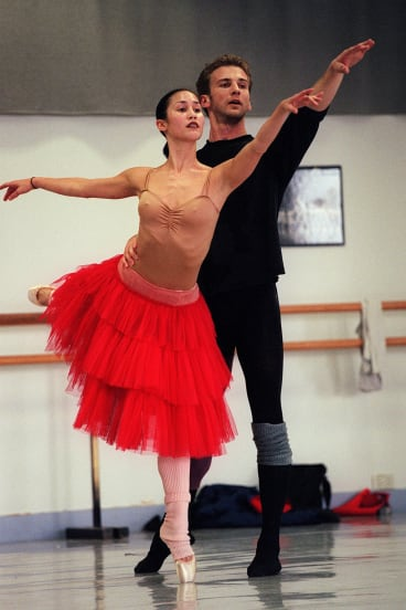 Matthew Trent and Felicia Palanca in full flight during Palanca's time with the Australian Ballet.