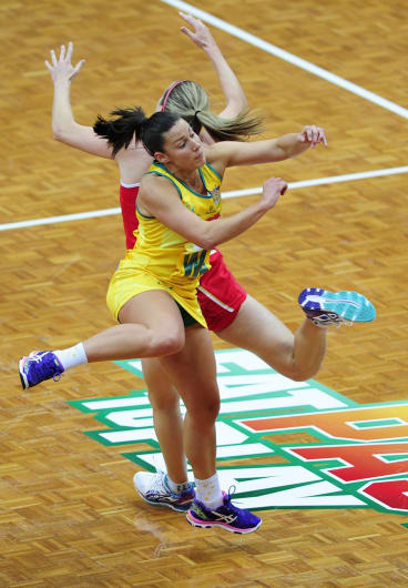 Madi Robinson in action for the Diamonds against England.