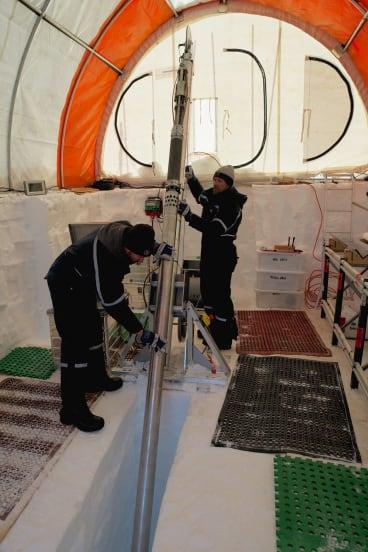 Setting up the Hans Tausen ice core drill at Aurora Basin North.