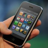 Researchers uncover vulnerability that tricks smartphones into trusting malicious software.