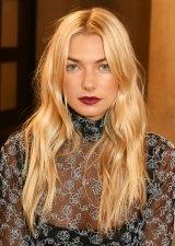 Australian model Jess Hart rocks the '70s grunge cheek bangs.