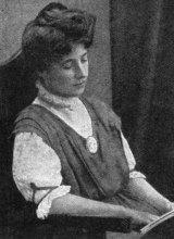 Suffragist Muriel Matters in 1908.