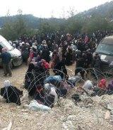 Syrians wait to enter Turkey this week.