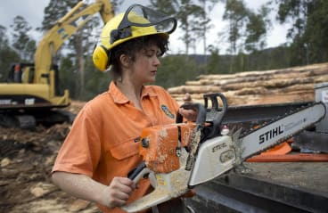 Maddie Parry wanted to challenge her assumptions by working as a logger cutting down native forests in Tasmania.
