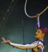 Lisa Skinner in character in Quidam.