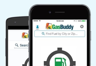 Australians are hungrily downloading fuel price comparison apps as prices at the pump soared in the last quarter.