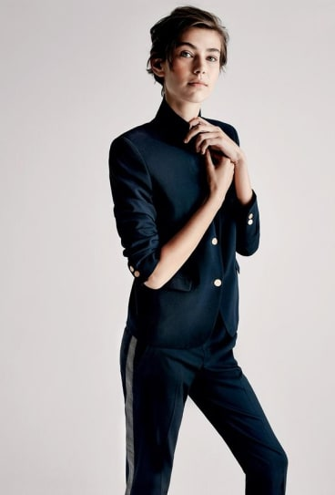 A model poses for Uniqlo.
