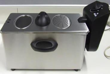 Woolworths' Abode three-litre stainless steel deep fryer has weak handles.