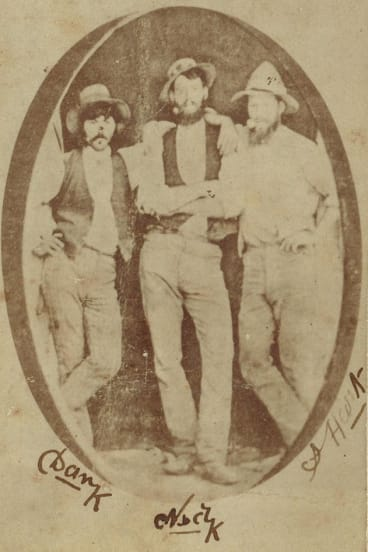 Is this a signed 1878 photograph of the Kelly gang?