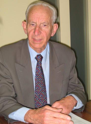 Long-serving: Brian Harradine, senator for Tasmania.