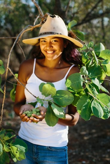Kitchener's daughter Jazlyn Binrashid is also one of the harvesters for Kimberly Wild Gubinge.
