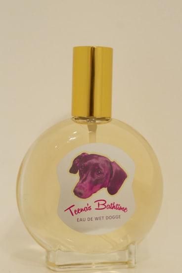 Teena's Bathtime: Eau de Wet Dogge.