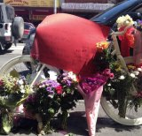 A note left by Alberto Paulon's fiance Cristina Canedda on a memorial created for him on Sydney Road.