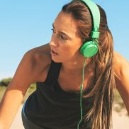 Many studies have shown links between exercise and mood, the latest has found a promising link between working out, and symptoms of depression in women.