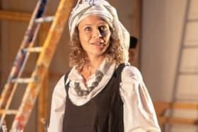 Leeanna✓ Walsman plays Brett Whiteley's muse.