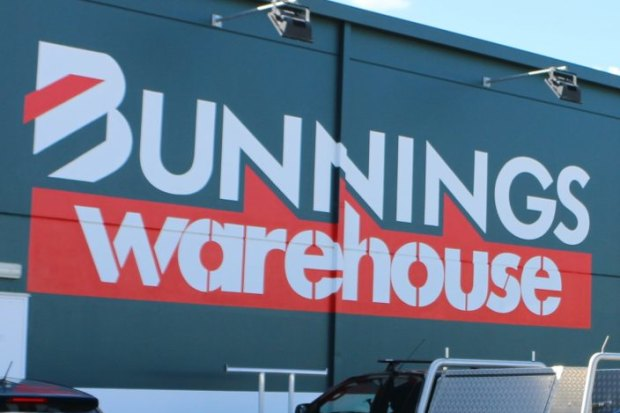Man brought down from roof of Bunnings Warehouse in Nunawading