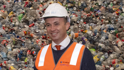 NSW MPs back ban of single-use bags but reject Labor's bill to do so