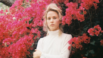 Emma Louise's lilac vision comes to life