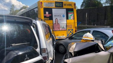 A multi-car crash at Jindalee on the Centenary Motorway south of Brisbane caused chaos on Monday afternoon.
