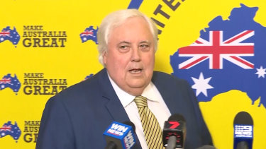 Clive Palmer campaigns for the United Australia Party.