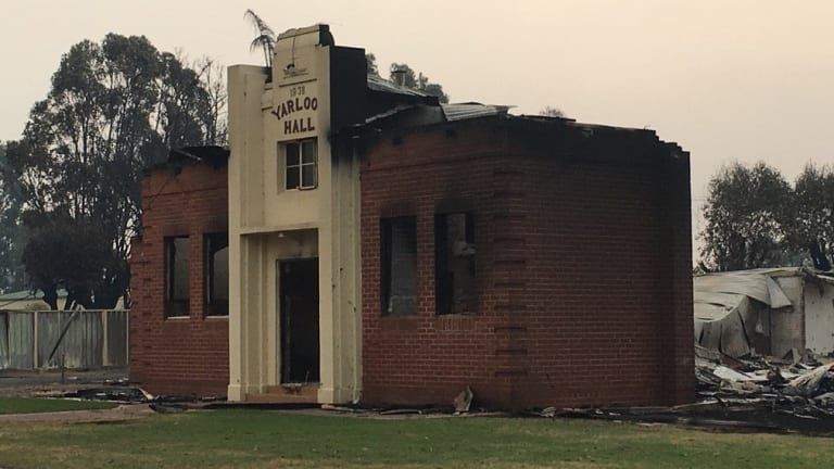 A bushfire has completed devastated the south west WA town of Yarloop.